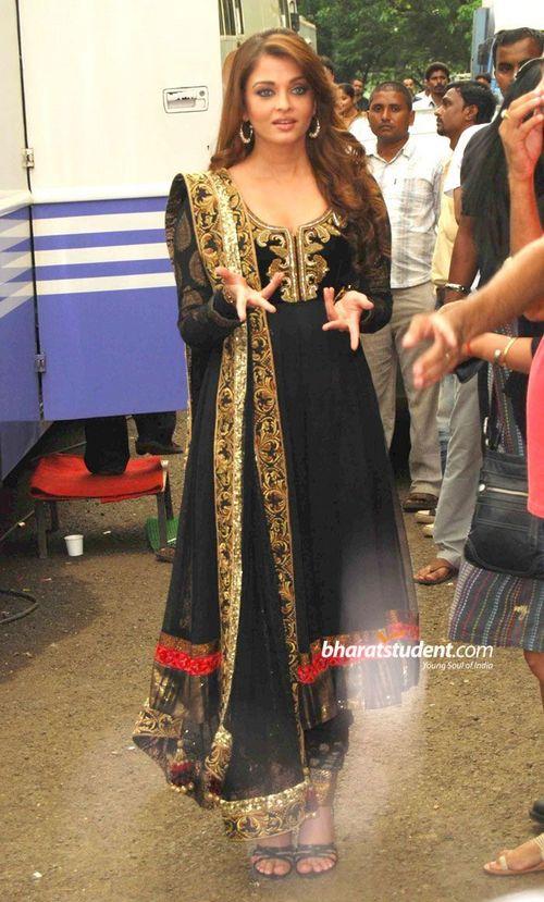 Aishwarya-black
