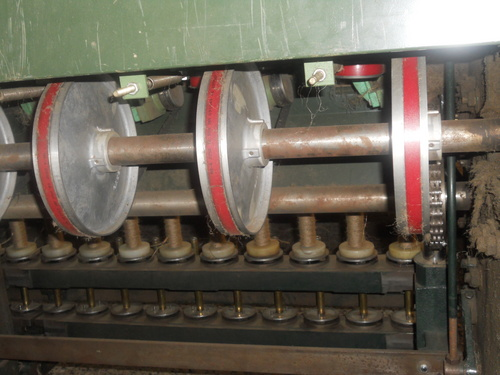 Spinning Machines with Pulley Drive System