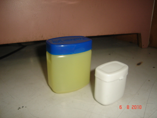 Plastic Petrolium Jelly Container