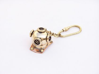 Diving helmet key chain