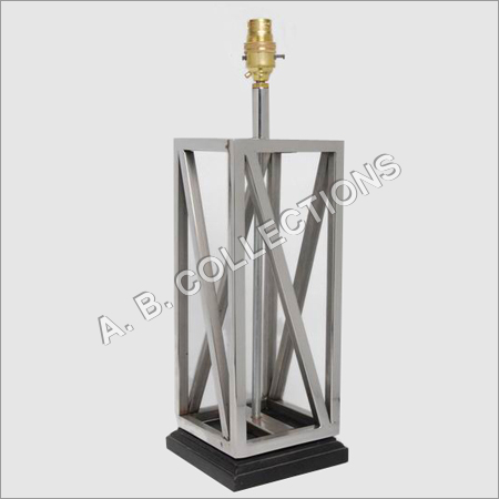STEEL FRAME TABLE LAMP