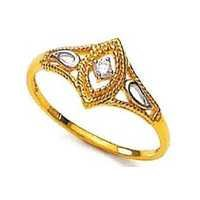 Unique Solitaire Diamond Studio ROYAL LOOK DIAMOND RING UQR042