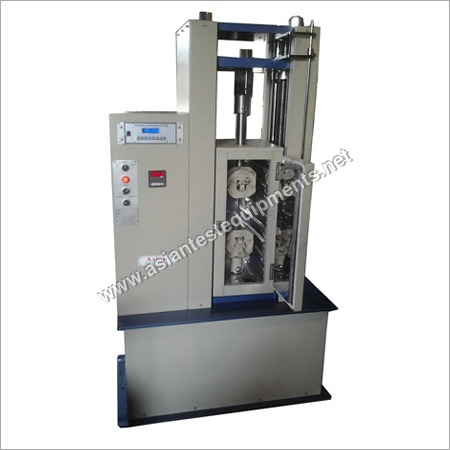 Universal Testing Machine With Oven