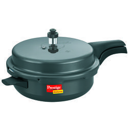 Deluxe Hard- Anodized Senior Pressure Pan with Lid