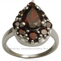 love ring in garnet and silver