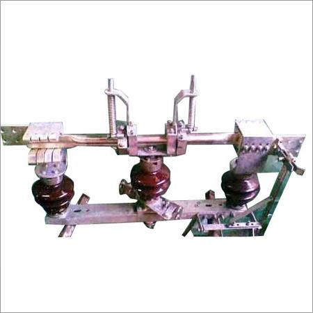 D.B. Rotating Turn Twist Type Isolator