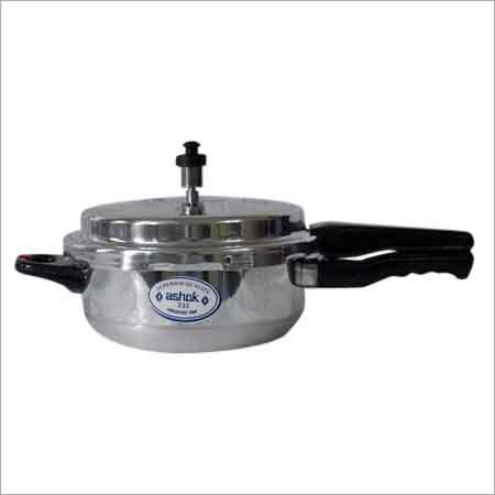 4 Litre Junior Pressure Cooker Pan With Lead