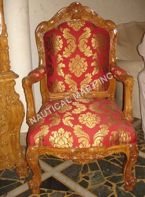 VINTAGE WOODEN KINGS CHAIR