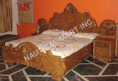 VINTAGE WOODEN SHINY DOUBLE BED SET