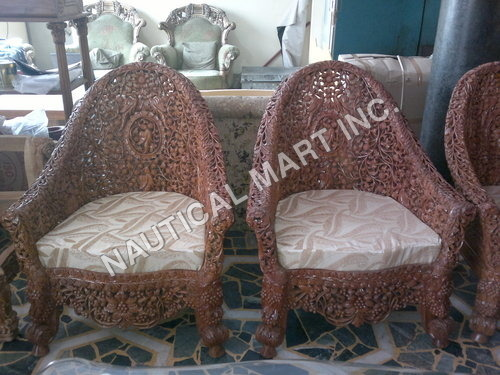 VINTAGE WOODEN PAIR OF NET CHAIR