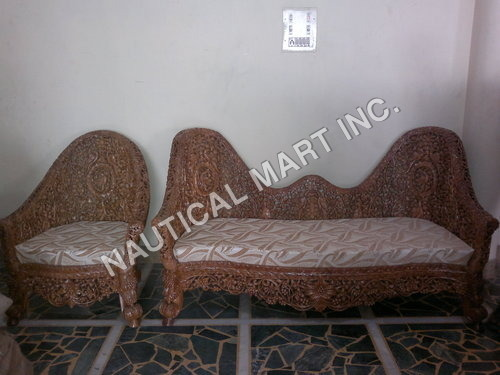 VINTAGE WOODEN PAIR OF NET SOFA
