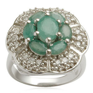 Cheap emerald gemstone ring in sterling silver