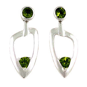925 silver earrings Heart Earrings Peridot Earrings