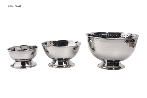Hammered bowl set