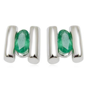 small emerald white gold earring for young girls