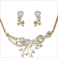 Yellow Gold Tanmaniya Necklace Earrings Supplier