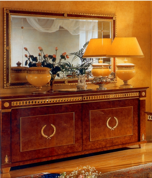 Classic Console Table With Mirror
