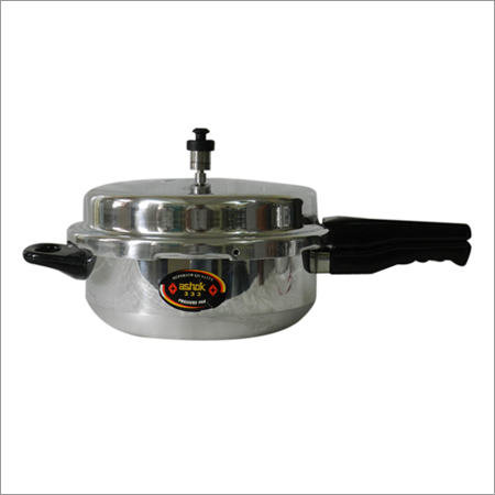 5.5 Litre Senior Pressure Cooker Pan With Lead