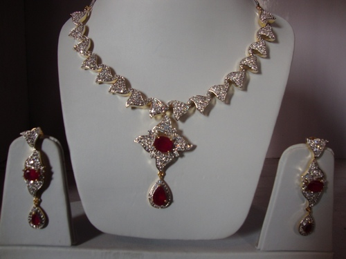 Classic Necklace Set