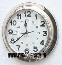 Wall hanging Metal Clock in 11 Inches