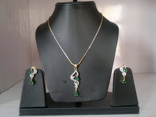 White and Green Cubic Zirconia Pendant Set