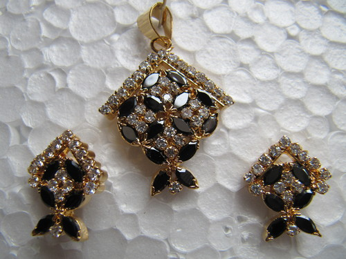 Black and White AD Pendant Set