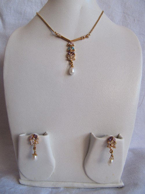 Stylish Pendant Set