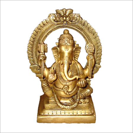 Ganesha Sitting with crafted ring