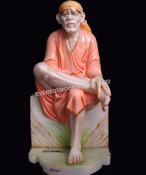 statue SaiBaba