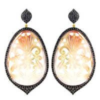 Diamond Studded Carving Gold Earring