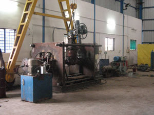 Hydrostatic Test Stand 300 Ton capacity to test valves 14