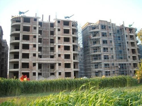 builders material lifting machine