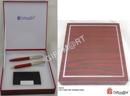 GIFT SET IN WOODEN BOX