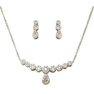 Cluster Diamond Necklace Gold Necklace Set