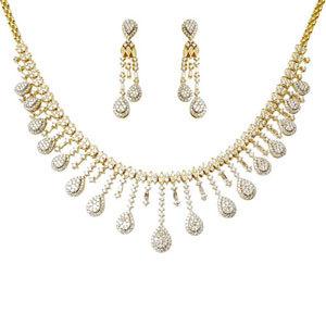 Hanging Pear Design Diamond Gold Jewelry