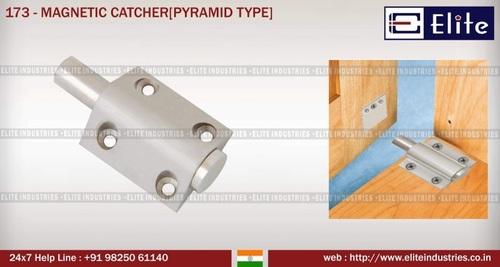 Magnetic Catcher Pyramid Type