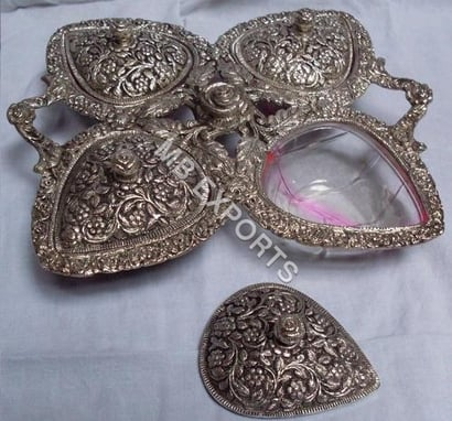 Golden White Metal Bowl For With Lid