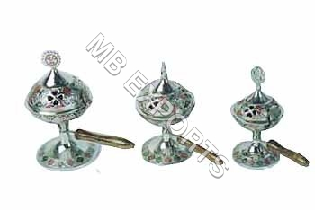 Meena Wooden Handle Shoopdan