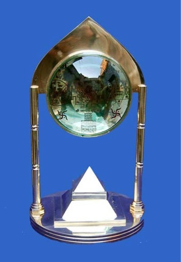 Pyramid Stand Shree Yantra