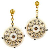 Carving Gold Diamond Studded Earring