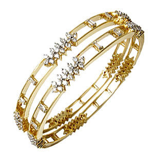 Bangle In Gold Studded With Diamond
