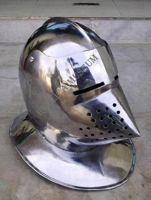MEDIEVAL KNIGHT PIG FACE HELMET HALLOO WEN , COLLECTIBLE PROPS