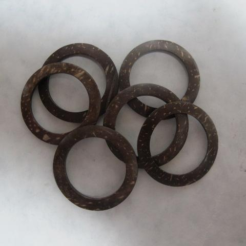 Coconut Shell Rings 6 pcs 37mm 1.5 in