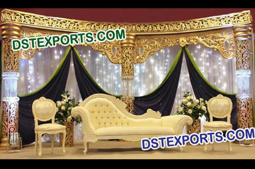 Wedding Gold Crystal Fiber Pillars Stage