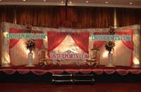 Asian Wedding Crystal Jali Pillar Stage