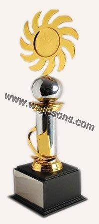 metal trophy figures