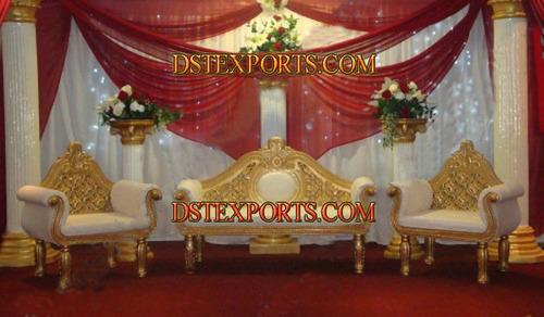 WEDDING DECORATED GOLDEN STAGE