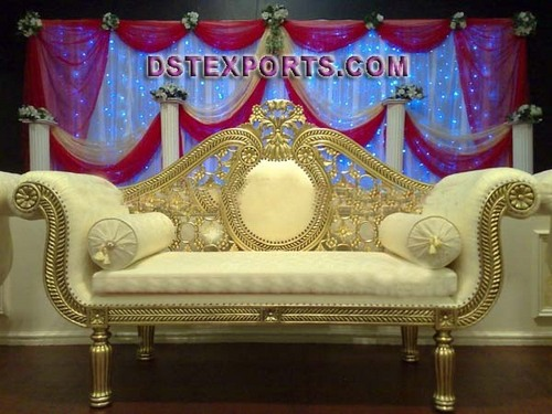 ASIAN WEDDING GOLDEN METAL LOVE SEATER
