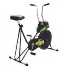 CYCLE EXERCISER (Powergym)