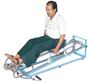 ROWING MACHINE cum SLIDING SEAT (with adj. base)